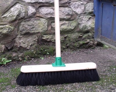 18-coco-soft-large-warehouse-platform-sweeping-brush-with-handle