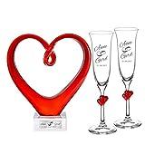 Geschenkset zur Hochzeit – Sektgläser mit roten Herzen und rotes Glasherz mit Gravur – Motiv Ringe – Personalisiert mit [Namen] und [Datum] – Hochzeitsgeschenk – Geschenk für Paare