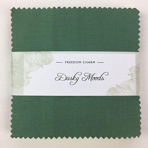 Stoff Freiheit Dusky Moods Charm Pack 42Squares 100% Baumwolle Geschenkbündel viereckig je 12,7cm Breite x 12,7cm Länge Quilten Craft Patchwork Stoff Bundle hergestellt in der UK (Jelly Roll Stoff Batik)