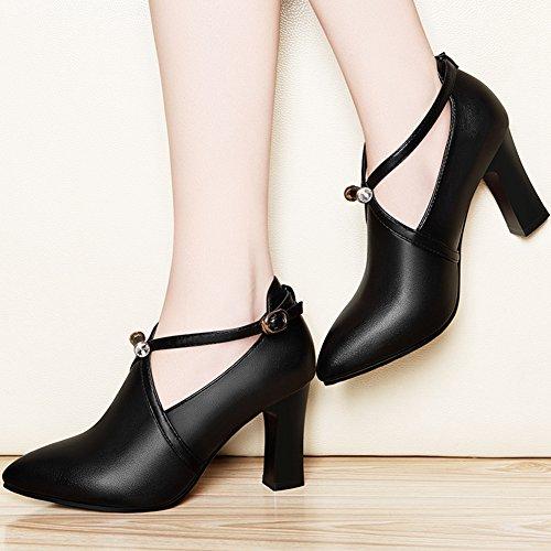 Damen Geschlossene Pumps mit Schnalle Britisch Business Leder Schuhe mit 7 CM Blockabsatz Schwarz