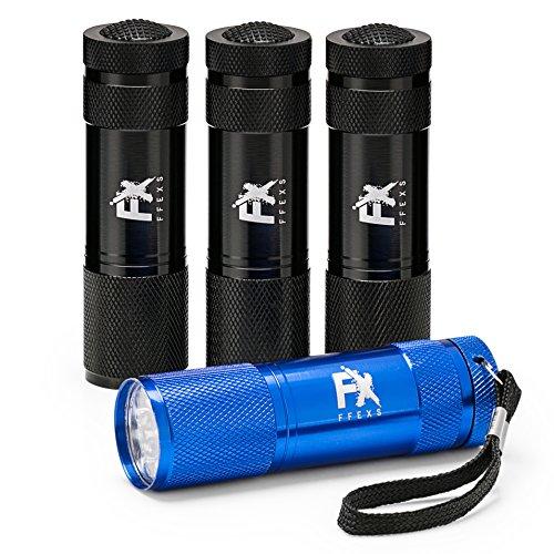 LED Taschenlampe 4er Set – Superhelle Mini Multifarbe Handlampe Pack Handlich Perfekte Lampe für Camping Notfall Wandern Hund Flashlight Outdoor für Mann Frau – Aluminium Blau Schwarz