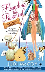 Hounding the Pavement (Dog Walker Mysteries (Paperback))