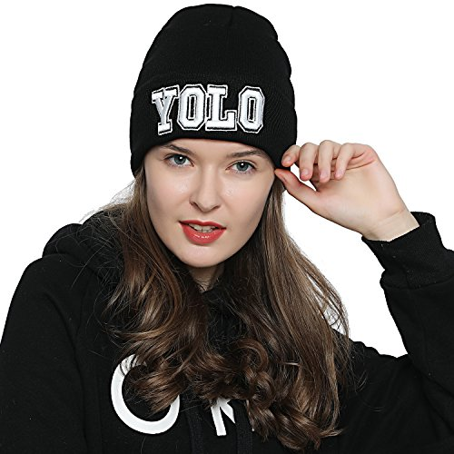 DonDon Stylische schwarze Mütze Winter Beanie Statement YOLO