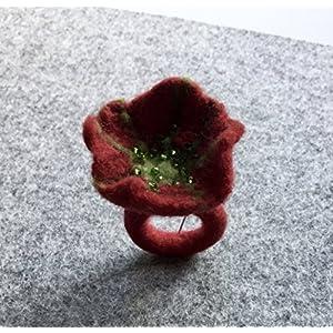 Filzring - handgefilzter Ring mit Blüte