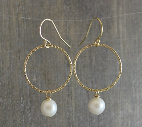cultured-freshwater-pearl-hoop-gold-filled-earwires-earrings