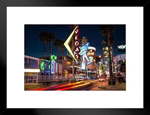 Poster Gießerei Downtown Las Vegas Nevada Bei Nacht Neon Signs Foto Kunstdruck von proframes 26x20 inches Matted Framed Poster (Las Vegas Sign Poster)