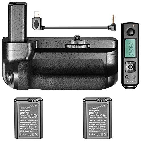 Neewer Kameraakku-Halterung für Aufnahmen im Hochformat, für Sony A6500spiegellose Kamera, integrierte 2,4G Wireless-Funktion bis zu 100Meter, 2 Stück, 1030 mAh, NP-NP-FW50 Lithium-Ionen-Ersatzakku