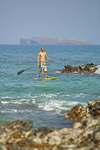 MakenaStockMedia / Design Pics – Hawaii Maui Makena Athletic Stand Up Paddle Surfer In Ocean Photo Print (55,88 x 86,36 cm) (Maui Paddle)