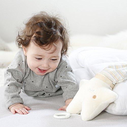 Fehn 154566 Spieluhr Stern – Aufzieh-Spieluhr mit herausnehmbarem Spielwerk zum Aufhängen an Bett, Kinderwagen oder Babyschale, für Babys und Kleinkinder ab 0+ Monaten - 4
