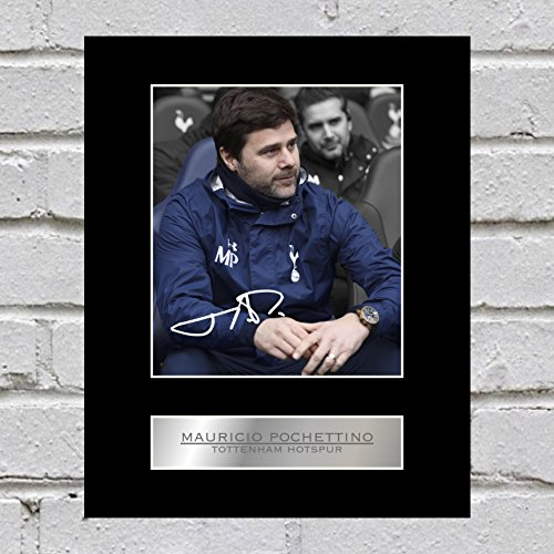 Mauricio-Pochettino-Photo-Display-Tottenham-Hotspur-FC
