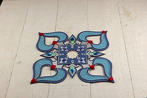 Store Indya, Rangoli réutilisable en bois artisanal en couleur bleue avec un ensemble de 4 Diwali Diyas