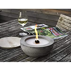Beske-Betonfeuer mit 'Dauerdocht' | Ø 24cm mit großer Brennkammer | Wiederbefüllbare Gartenfackel | 'Unendliche' Brenndauer durch umweltfreundliches Recycling von Kerzenwachs