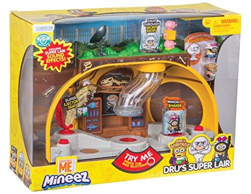 Despicable Me 70020221 - Spielset Me Lair mit 3 Minion, 25 cm