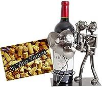Questo portabottiglie è adatto per ogni tipo di bottiglia da vino o altre bottiglie. Questo modello dal design 'coppia di innamorati' è molto carino, lui porta lei in braccio di fronte un palloncino di metallo in forma di un cuore con scritta...