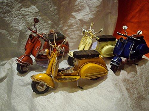 Moto miniatura scooter bomboniera battesimo nascita matrimonio laurea mitica vespa cm 10.5