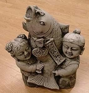 Junge m dchen chinesische kinder mit koi figur buddha steinfigur teich skulptur deko garten zu - Gartendeko chinesisch ...
