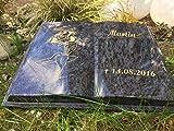 Grabstein Buch Liegestein Grabmal Urnenstein Urnengrabstein Bibel 45cm x 35cm x 6cm inklusive Gravur und Stützkeil