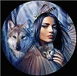 Posterlounge Holzbild 30 x 30 cm: Hüterin der Wölfe von Andrew Farley/MGL Licensing