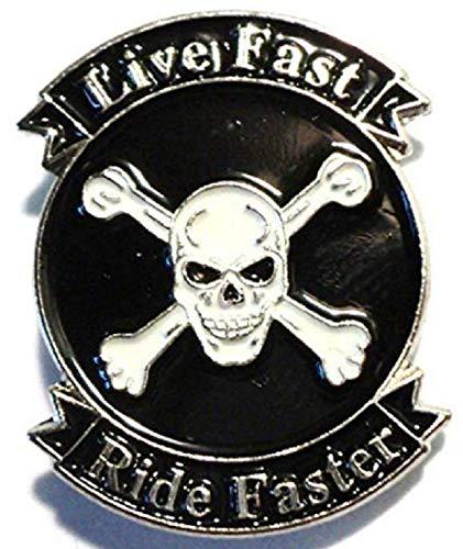 Mainly Metal Brosche aus Metall in Form von Fahrrad, Motorrad Aufsitzspielzeug 'Live Fast Faster' A Form von Totenkopf und Schienbeinschoner (Mag Fahrrad Wheels)