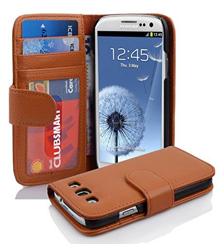 Cadorabo Hülle kompatibel mit Samsung Galaxy S3 / S3 NEO Hülle in Cognac BRAUN Handyhülle mit 3 Kartenfächern Case Cover Schutzhülle Etui Tasche Book