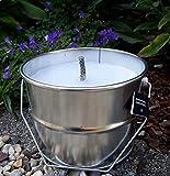 Rustik Lys Outdoor Kerze im Blech Eimer Ø 18 cm Gartenkerze Flammschale Fackel Gartenlicht Gartenkerze Outdoorkerze in Weiss
