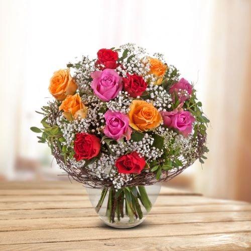 blumenstrauss-mit-liebe-oe-25-cm-mit-roten-orangenen-und-pinken-rosen-mit-schleierkraut-inkl-schnitt