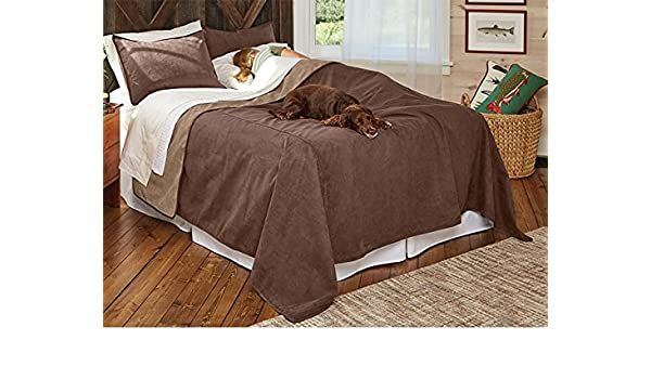 Orvis Reversible Dog Proof Coverlet And Matching Pillowcases/Large Coverlet,  Bark, Full/Queen: Amazon.co.uk: Pet Supplies