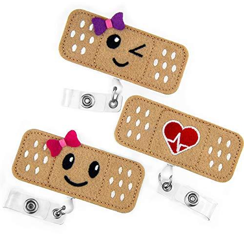 Carrete retráctil para insignia de enfermera - Paquete de 3 - Carrete retráctil para insignia con forma de apósito - Regalos perfectos para mujeres enfermeras - de BadgeZoo