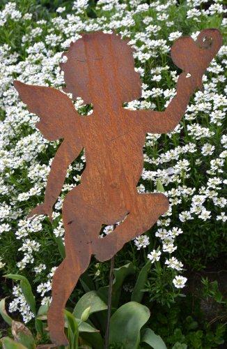 floristikvergleich.de Gartenstecker – dekorative Elfe/Engel/Amor mit Herz aus Stahl mit Edelrost Gesamthöhe ca. 70-75 cm-gute Qualität