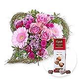 Blumenstrauß Von Herzen und Pralinen-Herzen