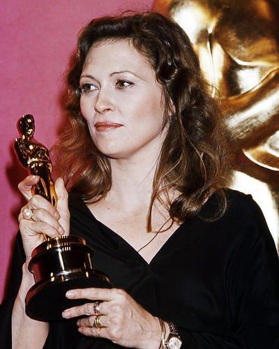 Faye Dunaway halten Academy Award Oscar Statue für Netzwerk 14x 11Werbe Foto