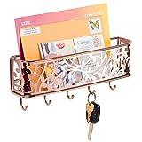 mDesign praktische Briefablage mit Korb für Flur und Küche – kompaktes Schlüsselboard mit 1 Fach für Post und 5 Haken – wandmontiertes Schlüsselbrett aus Metall – rotgold