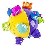 Chuckle Ball è una palla interattiva che rimbalza, saltella e rotola da sola con personaggi colorati sulla sua superficie che emettono molti suoni divertenti. È pensata per accompagnare i bambini nelle fasi di gattonamento e primi passi, incentivando...
