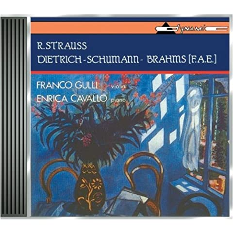 Various Works (Gulli, Cavallo) by Strauss (1994-07-24)