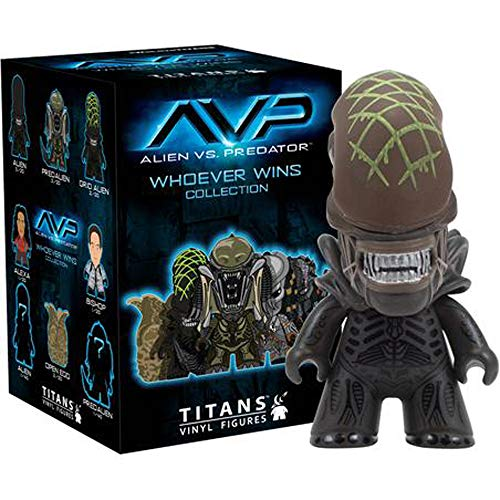 Alien vs. Predator Whoever Wins Collection Titans Vinyl Figur (1 Random) (Alien Vs Predator Mini-spielzeug)