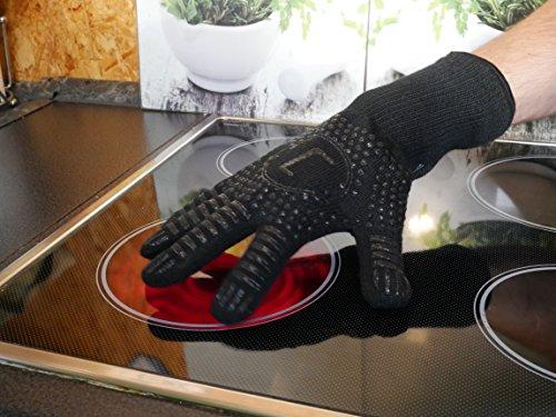 51jS 2tKcGL - Premium Ofenhandschuhe aus Aramid - hitzebeständig bis 500°C - elegantes Design - Vielseitig einsetzbar - Grillhandschuhe - Kaminhandschuhe - Topfhandschuhe - Backhandschuhe (schwarz)