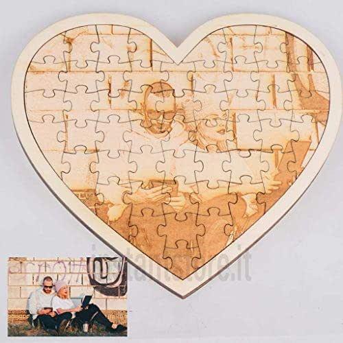 Puzzle in legno a forma di cuore con fotoincisione personalizzato con foto nomi frasi ecc