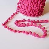 Kleiner mini fuschia pink Mütze Pom Pom Beanie mit Bommel Zierleiste VERSANDKOSTENFREI 8 mm breit und Bommeln - Meterware am Stück