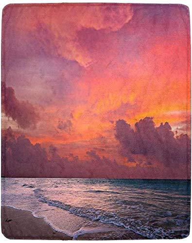 Luancrop Ruhiges, friedliches Meer und Strand bei tropischem Sonnenaufgang, Bali, Indonesien Leichtes, gemütliches Schlafsofa für die ganze Saison