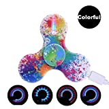 LeeHur Hand Spinner Fidget Spinner de Mano de USB Recargable con 15 efectos de luz para ADHD EDC, Tri Fidget Spinner, Juguete Reductor EDC Anti Ansiedad para Niños y Jóvenes Adulto, Multicolor