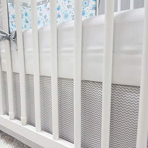 Baby-Joy Bettrock Volant für Babybett Kinderbett ZICK-ZACK Linie Baumwolle grau (70 x 140 cm)