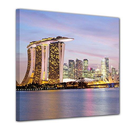 Keilrahmenbild - Singapur - Skyline II - Bild auf Leinwand - 80x80 cm einteilig - Leinwandbilder - Städte & Kulturen - Asien - Hotel Marina Bay Sands - Wolkenkratzer - beleuchtet - Sand Marine
