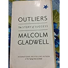 ‏‪Outliers: The Story of Success by Malcolm Gladwell - Paperback‬‏