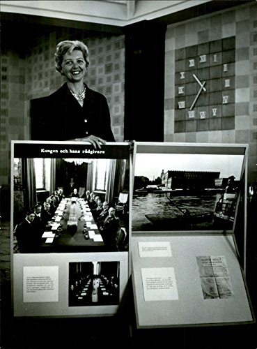 vintage-photo-of-exhibition-at-the-swedish-handelsbanken-government-150-years
