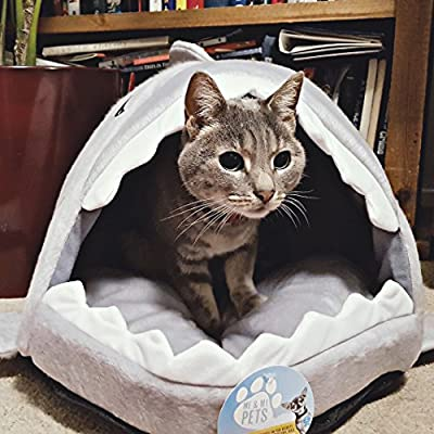 Me & My Pets Cosy Shark Bed from Me & My Pets