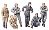 TAMIYA 300035214 - 1:35 WWII Figuren-Set Russischer Panzer-Besatzung im Ruhe (6)