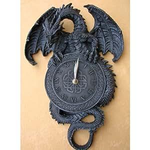 Splendide horloge murale style gothique- Motif dragon et croix
