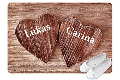 Personalisierte Fußmatte für Verliebte und Familien mit Herzen-Motiv mit zwei Namen bedruckt (2, Braun)