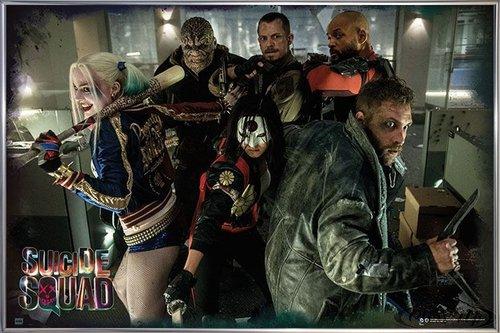 Suicide Squad Poster Team (62x93 cm) gerahmt in: Rahmen silber