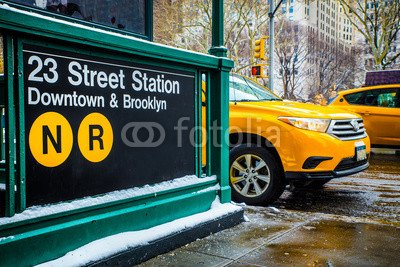 alu-dibond-bild-140-x-90-cm-new-york-city-street-and-subway-scene-bild-auf-alu-dibond